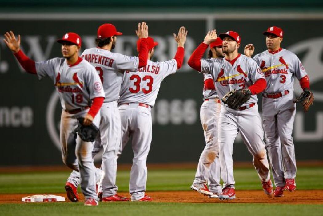 Los Cardinals se llevaron el segundo de la serie al superar 4 - 2 a Bost...