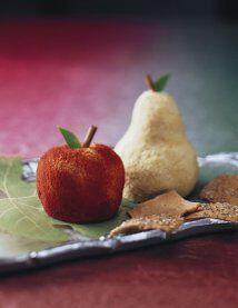 Bolitas de queso con forma de fruta. Una receta sencilla y original. Est...