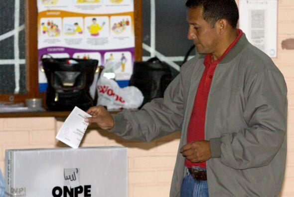 Alan García venció a Humala en junio de 2006 en una segund...