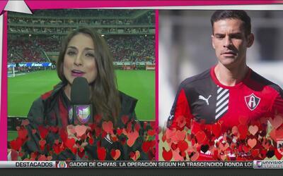 Las desatadas fanáticas en el Chivas vs Atlas declararon su amor por sus...
