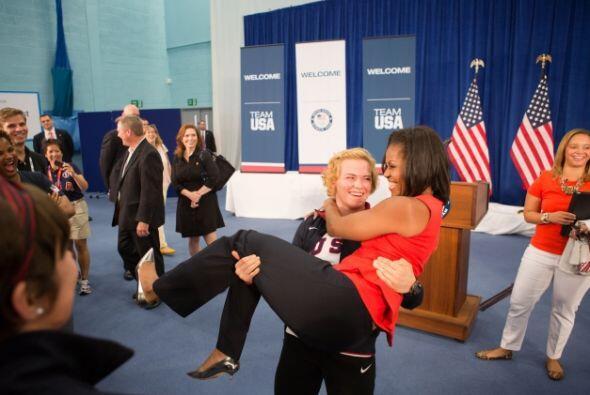 En julio de 2012 Michelle recibió a los atletas que compitieron en los J...