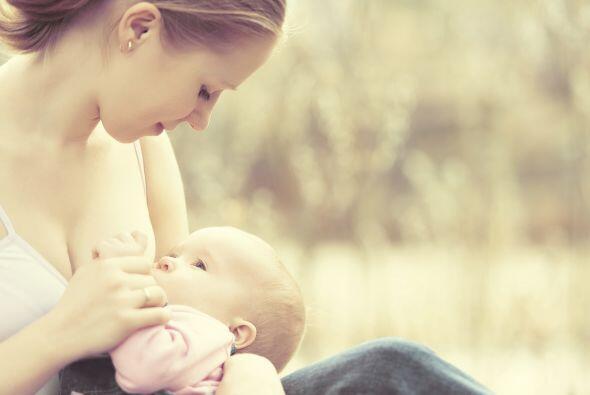 La Organización Mundial de la Salud (OMS) recomienda alimentar a los niñ...