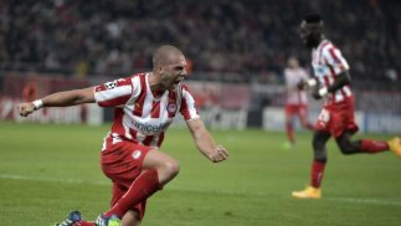 Los griegos cumplieron en su partido, derrotando al Malmo, pero el empat...
