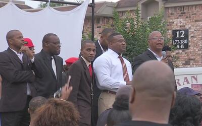 Una comunidad al noreste del condado Harris se reunió para exigir más vi...