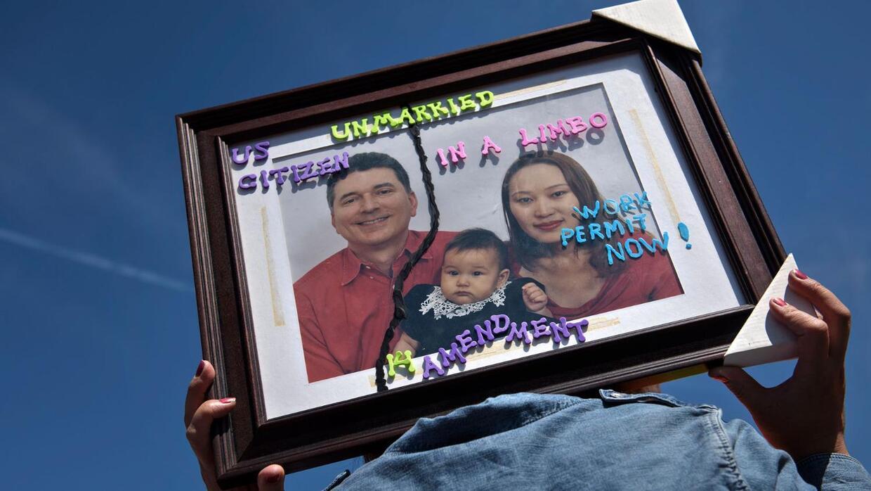 Miles de padres indocumentados seguirán lidiando con la angustia