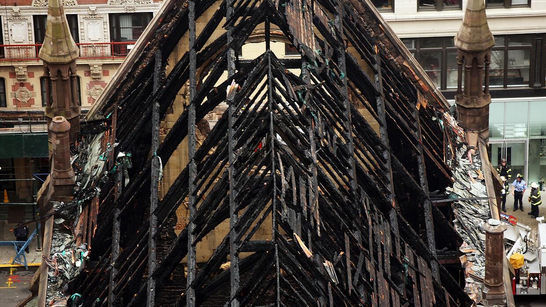 Así quedó el techo de la catedral Saint Sava, construida e...