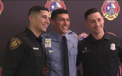 Tras 28 semanas de entrenamiento intenso, se gradúan 26 nuevos bomberos...