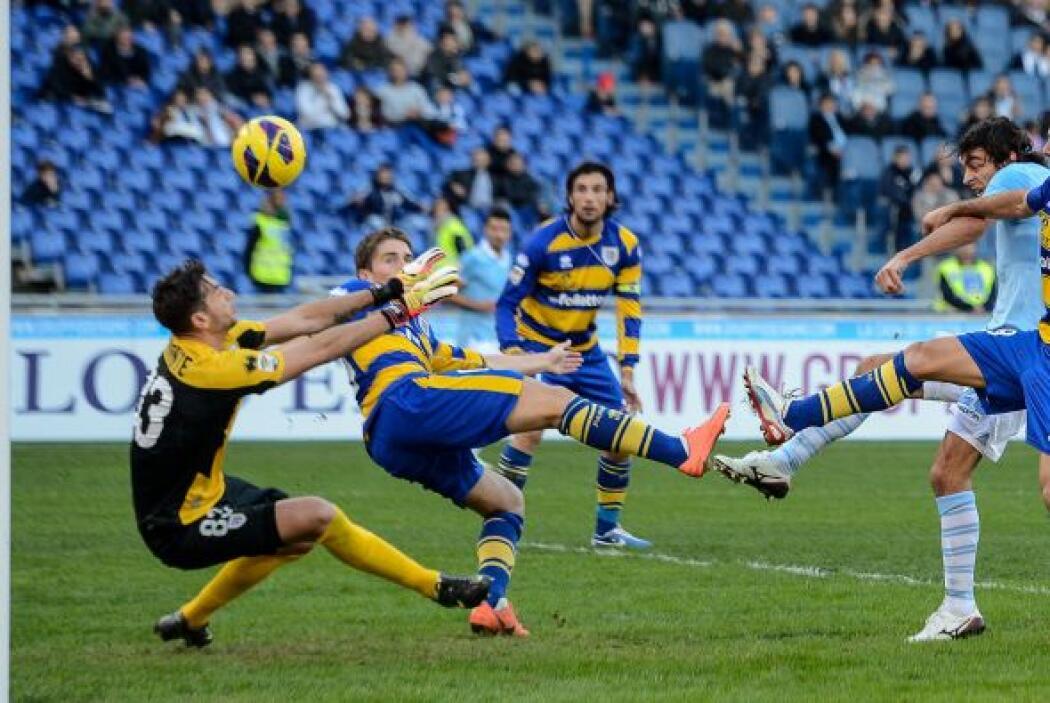 El equipo de la capital romana encaró su partido de la Serie A ante el P...