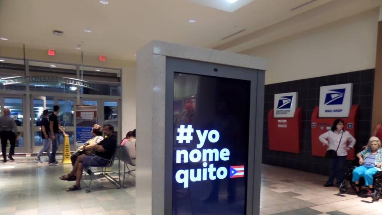 Una promoción de la campaña Yo No Me Quito en el centro comercial Plaza...