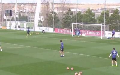 Golazo a lo Karate Kid de Sergio Ramos en el entrenamiento del Real Madrid