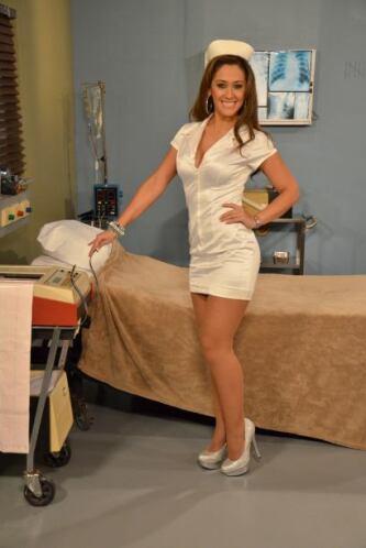 Otra consentida de los pacientes es la bella Daniela Cenzano que con su...