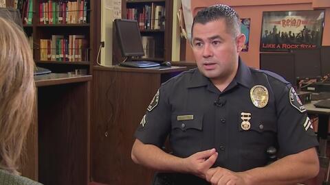 Padeció de cerca acoso escolar y ahora lo combate como policía