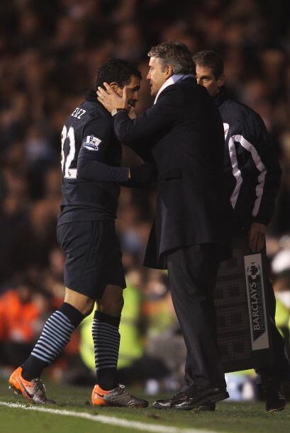 Tévez salió del campo y su técnico, Roberto Mancini...