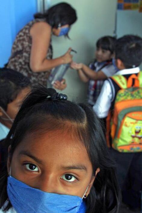 En abril de 2009 México enfrentó una alerta sanitaria por un brote de in...