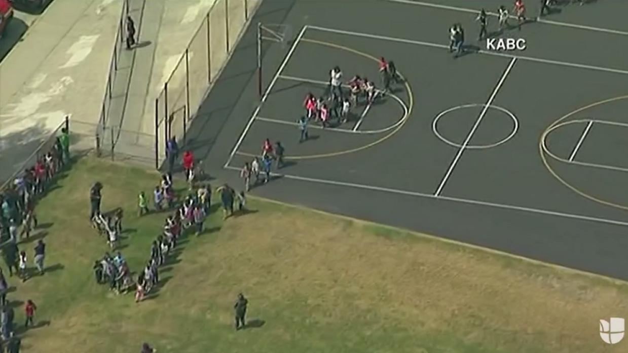 Tiroteo en una escuela primaria en San Bernardino deja múltiples heridos