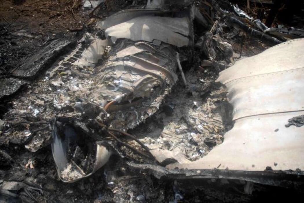 5 de noviembre: Fallecen los 68 ocupantes de un avión comercial de la ae...