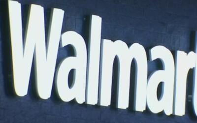 Balacera entre dos mujeres en Walmart dejó a una de ellas herida