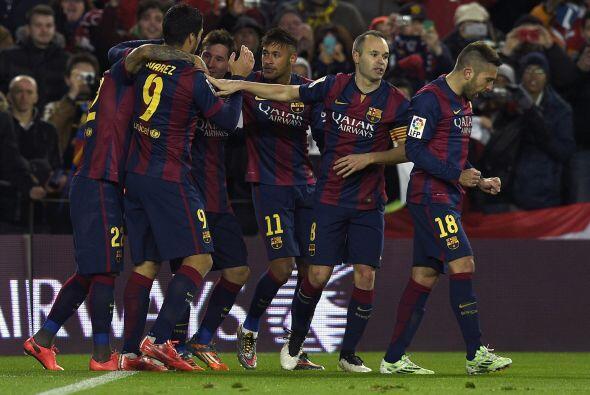 Tras ir perdiendo en el marcardo los Blaugranas siguieron insistiendo y...
