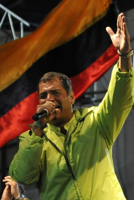 Correa promueve un referendo de cinco preguntas sobre enmiendas a la Car...