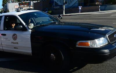 Autoridades buscan al sospechoso de asesinar a un hombre en el centro de...
