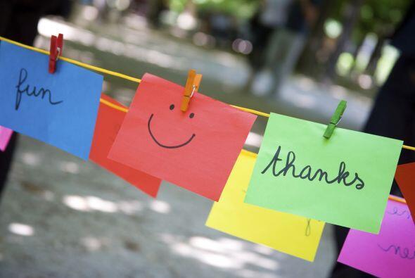 3) Escribir notas o hacer llamados de agradecimiento.