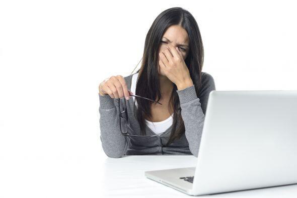 2. La computadora. Las personas pestañean unas 10 veces por minuto pero,...