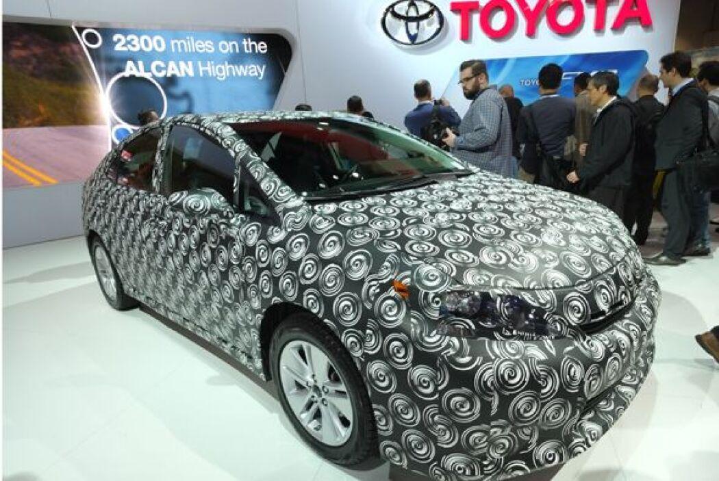 Toyota presnetó el prototipo del auto de hidrógeno que comenzará a vende...