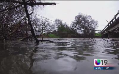 Autoridades alerta ante niveles del río Cosumnes