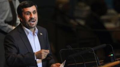 El presidente de Irán, Mahmoud Ahmadinejad, pronuncia un discurso en la...