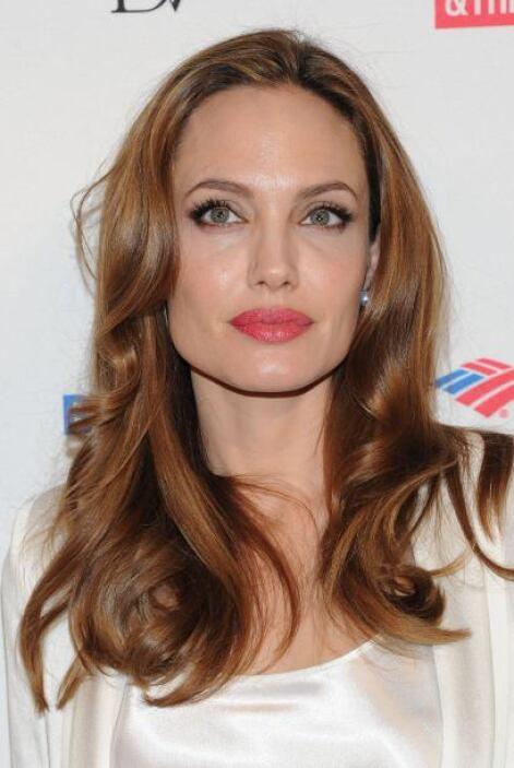 Angelina Jolie es de las bellas que jamás la veremos con el cabello cort...