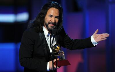 El cantante mexicano celebra 40 años de trayectoria.