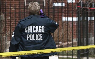 Balean mortalmente a un hombre cerca de una escuela en el sur de Chicago