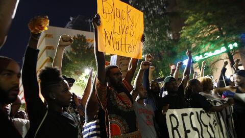 Se extienden las protestas en el país por las denuncias de violencia pol...