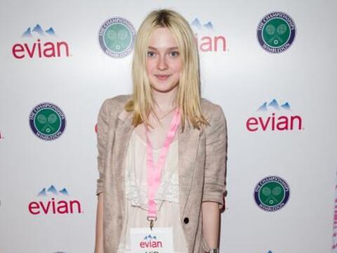 La actriz Dakota Fanning engalanó el inicio del magno torneo ingl...