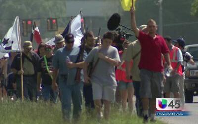 Llega a Liberty grupo que apoya portar armas a plena vista