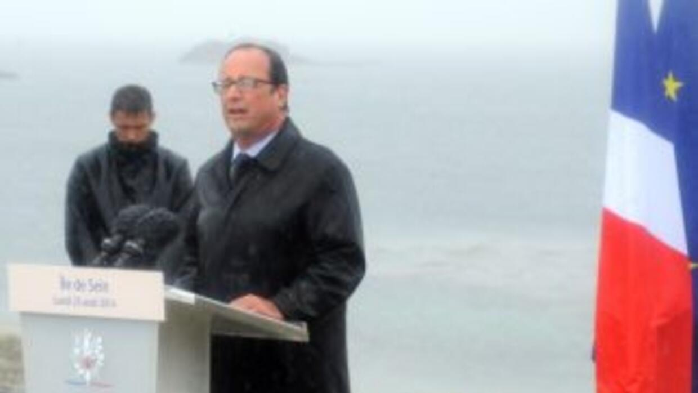 El presidente Francois Hollande disolvió el gobierno el lunes al surgir...