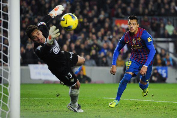 Barcelona buscaba el gol de toda forma, aunque sin perder su estilo. Tod...