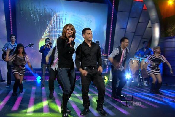 El dúo fue una exclusiva mundial de Sábado Gigante.