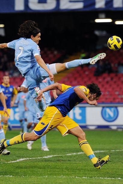 Fue un uruguayo el hombre que le dio los tres puntos a los napolitanos.