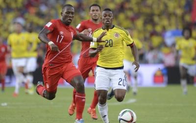 Fabián Castillo con la selección Colombia ante Perú
