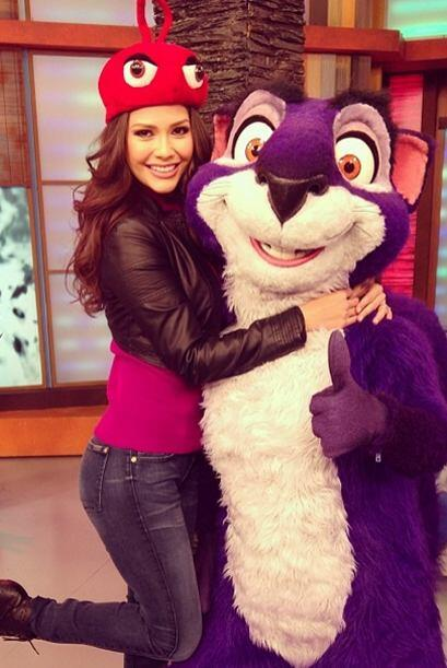 """Pura diversión en @DespiertaAmericaTv"", dijo Ana. (Enero 17, 2014)"