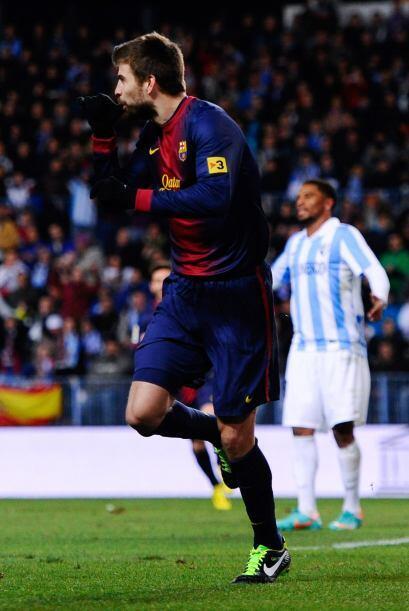 Vestido de delantero, Gerard Piqué devolvió la ventaja a los barcelonistas.