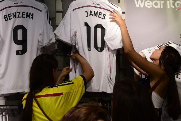 Los colombianos que estaban en Madrid no podían dejar pasar esta...