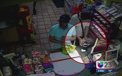 Buscan sujetos por colocar aparato para robar identidades