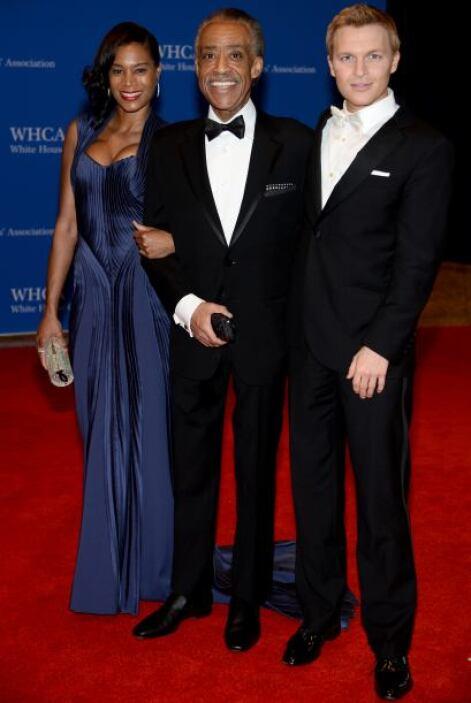 Ronan Farrow (der) con Aisha McShaw y Al Sharpton. Mira aquí los videos...