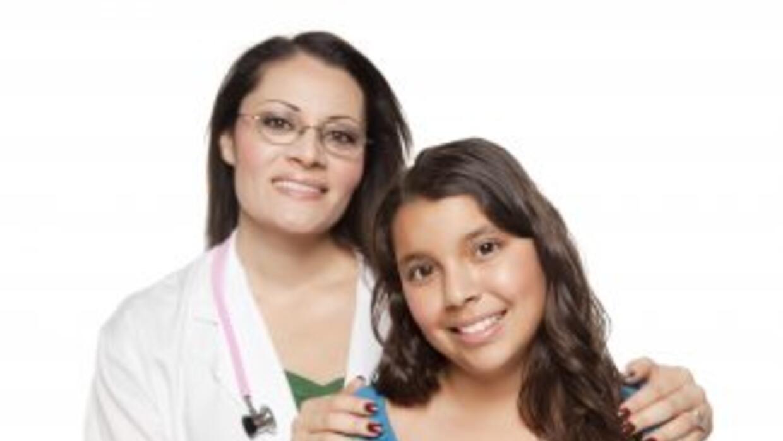 Texas sufre falta de médicos latinos