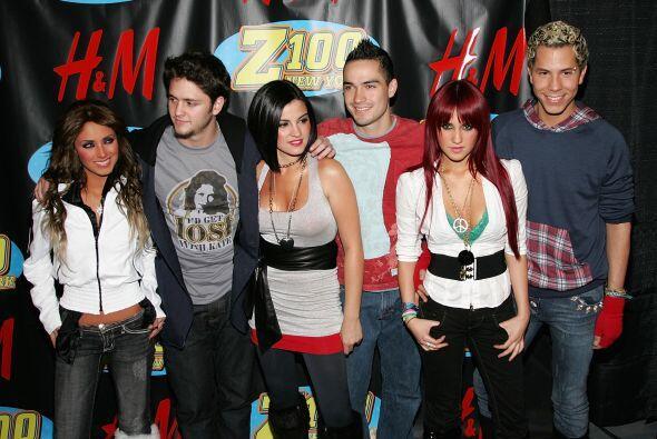 RBD definitivamente fue un fenómeno musical, el cual millones de persona...