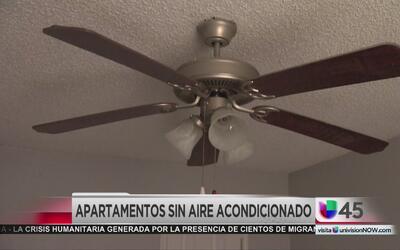 Residentes viven desesperados por falta de aire acondicionado