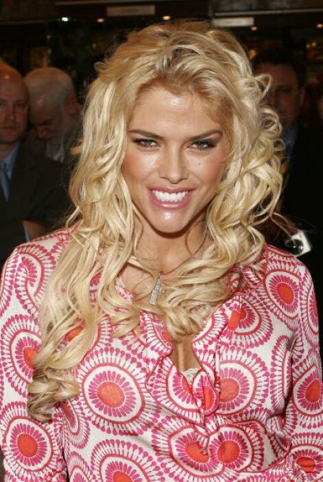 El 8 de febrero de 2007 Anna Nicole, a sus 39 años, también perdió la vi...