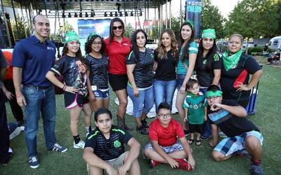 Miles disfrutaron al aire libre del partido México vs Estados Unidos